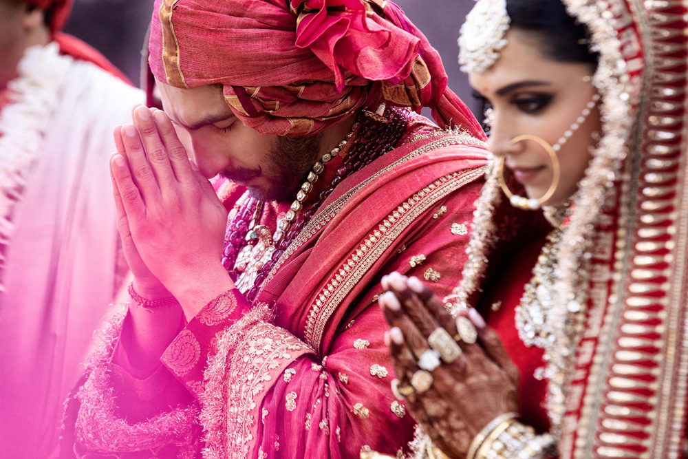 Watch stunning pictures of Deepika Padukone and Ranveer ...