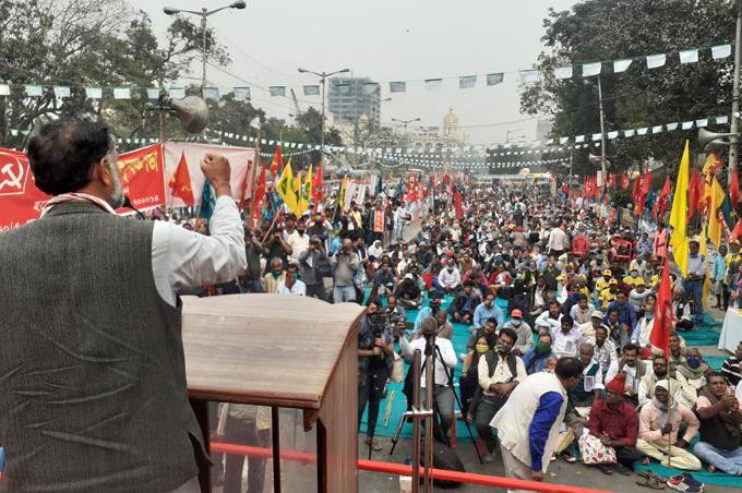 किसान आंदोलन योगेंद्र यादव कृषि क़ानून गणतन्त्र दिवस परेड